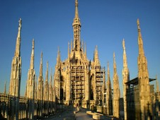 Rent a car in Milan