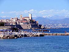 Economical car rentals in Antibes
